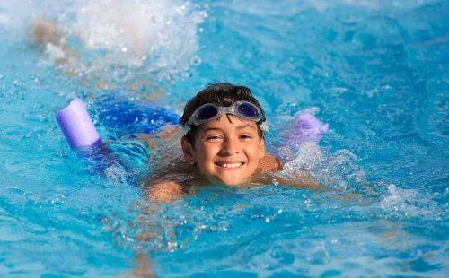Apakah Gerakan Latihan Berenang Bisa Menambah Tinggi Badan?